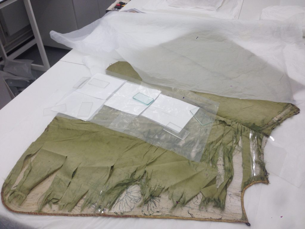 The lining before conservation © CSG CIC Glasgow Museums Collection and University of Glasgow, 2016.